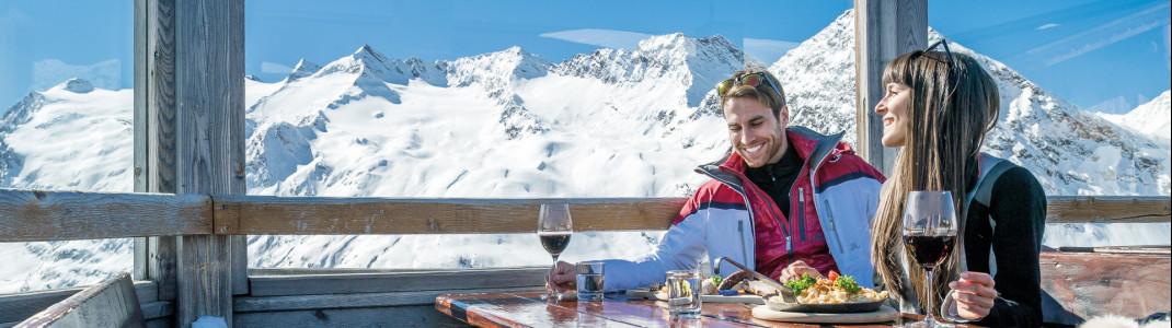 Urige Hütten und Schirmbars laden zum niveauvollen Après-Ski ein.