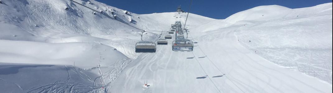 Unter dem Thurntaler Lift verläuft die rot markierte Piste 5. Ein Traum für fortgeschrittene Genussskifahrer