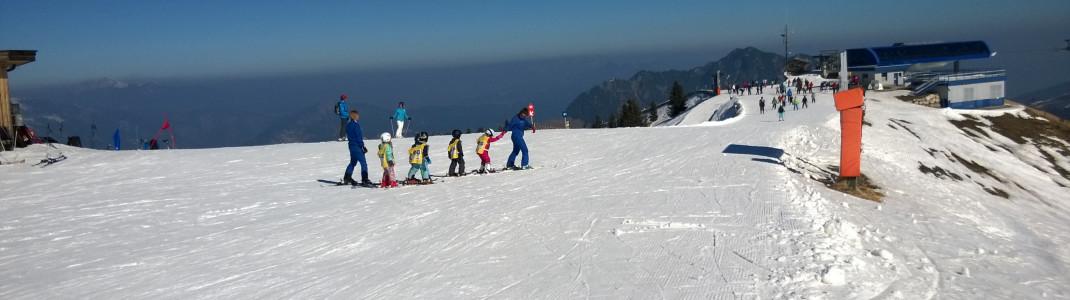 Zahlreiche Skischulen sorgen sich liebevoll um die Kinder.