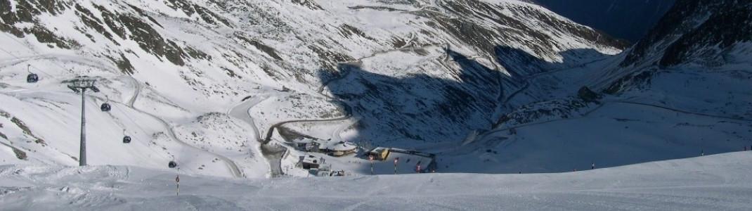 Blick auf die Gletscherstraße und das Rettenbach-Tal!