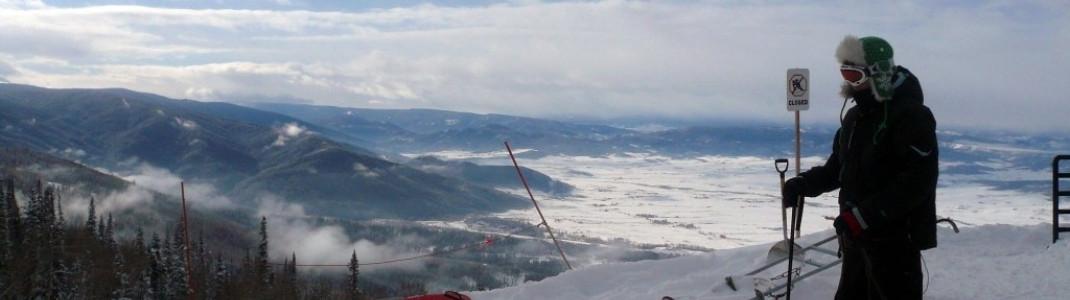 """Atemberaubend schön - die Aussicht an der Bergstation des """"Priest Creek"""" Sessellifts!"""