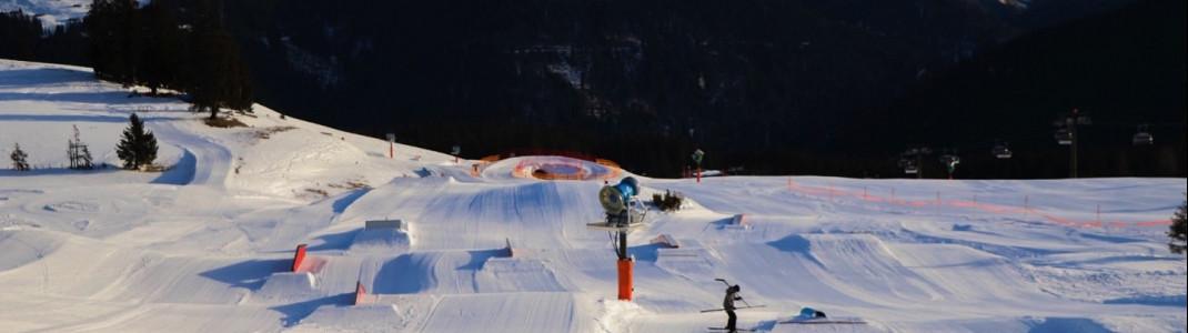 Elemente für alle Könnerstufen bietet der Snowpark auf der Steinplatte.