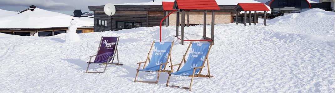 Winter 2018/19: Eingeschneiter Kinderspielplatz desTriassic Parks.