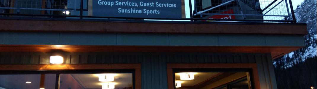 Das Creekside Bar + Grill ist die einzige Anlaufstelle im Tal und bietet mehr gemütliche Atmosphäre als Party