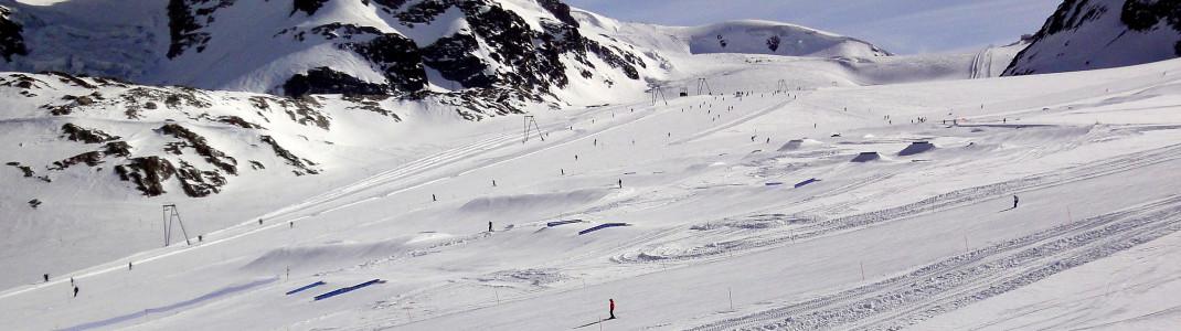 Blick auf den Snowpark Zermatt am Theodulgletscher
