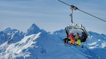 In Davos Klosters, 57 lifts transport the winter sportsmen.