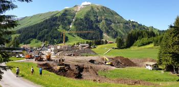 Die Bauarbeiten für die Sektion 1 und das Mehrzweckgebäude laufen bereits.