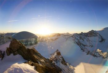 Am Pitztaler Gletscher kannst du einen traumhaften Sonnenuntergang erleben.