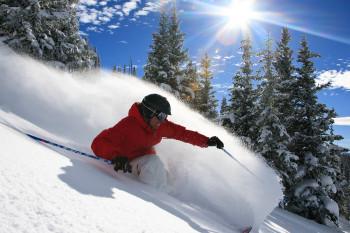 Den wohl besten Champagne Powder der Welt finden Skifahrer in den legendären Back Bowls in Vail.