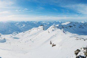 Les 3 Vallees in Frankreich ist mit 600 verbundenen Pistenkilometern das größte Skigebiet der Welt.