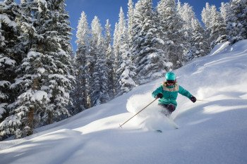 Champagne powder in Aspen is very smooth and dry and thus regarded ideal for skiing.