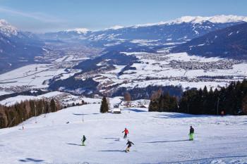 Nachts werden die Pisten am Rangger Köpfl präpariert, um den Gästen tagsüber ein optimales Skierlebnis zu ermöglichen.