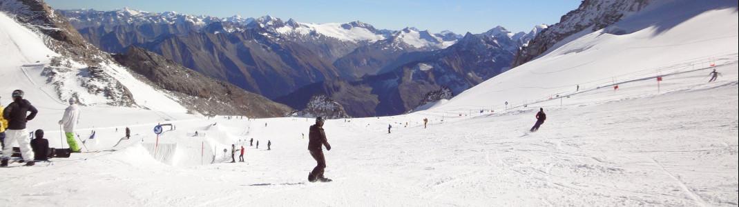 Bis zu 20 Pistenkilometer sind im Sommer am Hintertuxer Gletscher in Österreich geöffnet.