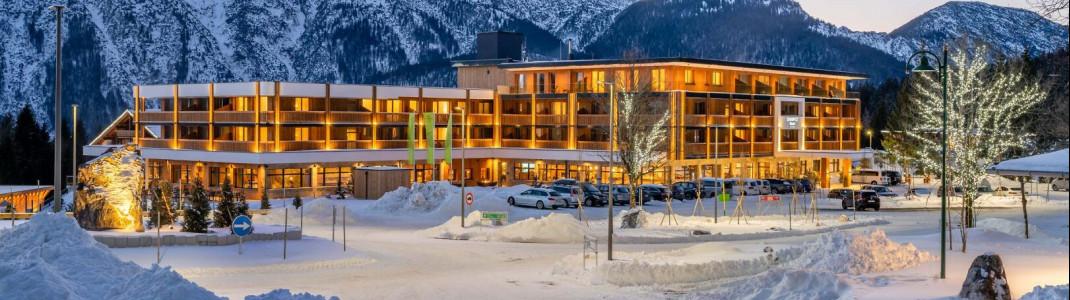 Unter allen Teilnehmern wird unter anderem eine Reise ins Zugspitz Resort in Ehrwald verlost.