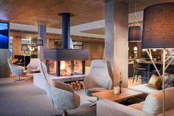 Der Hauptpreis sind zwei Übernachtungen für zwei Personen im neuen Zugspitz Resort in Ehrwald.
