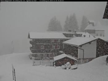 Heftiger Schneefall am Morgen des Heiligabends im Montafon.