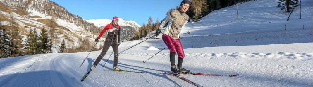 In Samnaun stehen Langläufern zwei Loipen zur Verfügung. Hier kannst du sowohl klassisch als auch im Skating-Stil laufen.