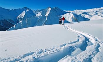 Als erster die Spuren in den unberührten Schnee ziehen...