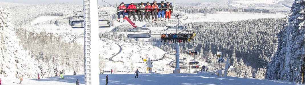 Blick auf den Weltcuphang im Skiliftkarussell Winterberg.