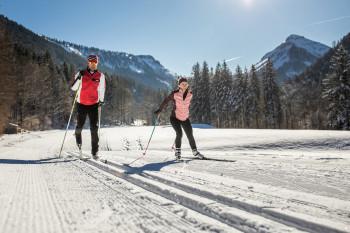 Perfekt präparierte Loipen, eine hervorragende Infrastruktur und hohe Schneesicherheit zeichnen die Region aus.