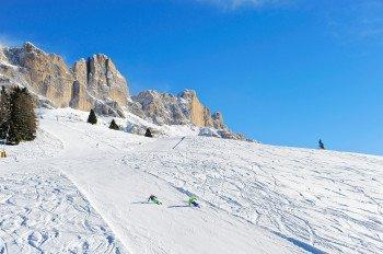 Traumhafte Aussichten erwarten die Wintersportler auf der Dolomiti Panoramatour.