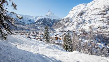 Ab Dienstag soll über Zermatt wieder die Sonne lachen. Ab Mittwoch ist wohl auch die Anreise wieder problemlos möglich.