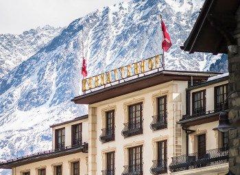 Urlauben mit Blick auf die Walliser Bergwelt.