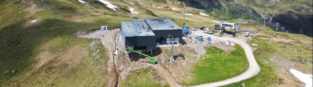 Blick auf die neue Bergstation der Stuanmandlbahn.