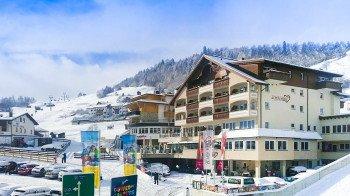 Romantik & Spa Alpen-Herz LadisDirekt neben der Seilbahnstation und Skipiste!