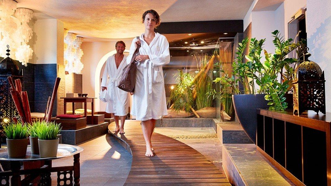 Alpen karawanserai in hinterglemm angebote zimmer for Alpen design hotel