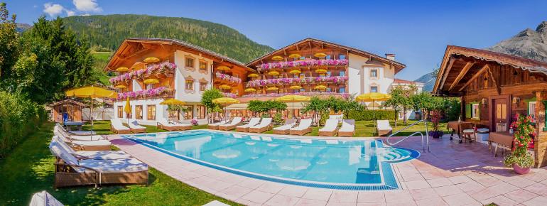 Alpenhotel Tirolerhof im Sommer