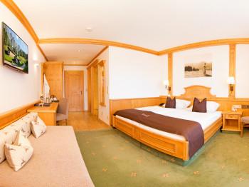 "Alpenhotel Tirolerhof in Neustift ""Zimmer"""