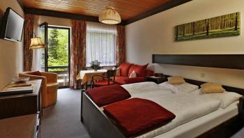 Ruhige und gartenseitige Gästezimmer