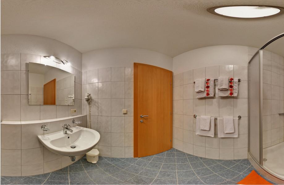 Bilder hotel alpenrose fendels bildergalerie fotos for Komplette badezimmer angebote