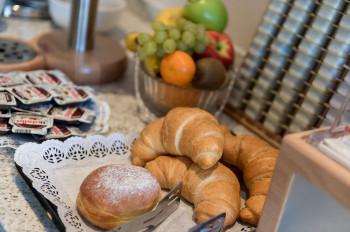 Frühstücksbuffet Alpenrose