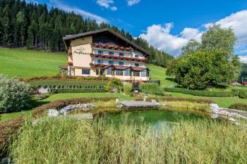 Das Berghotel im Sommer