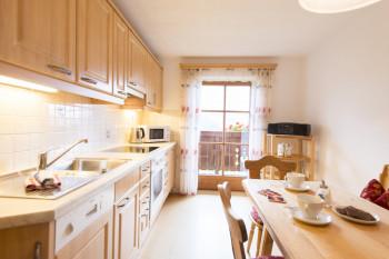 Ferienwohnung Talblick mit Balkon - gut ausgestattete Küche