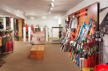 Sportshop mit Schiverleih direkt im Alpenhaus