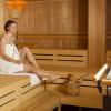 In der finnischen Sauna entspannst Du nach einem anstrengenden Tag in den Bergen