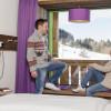 Design-Zimmer mit Panoramafenster