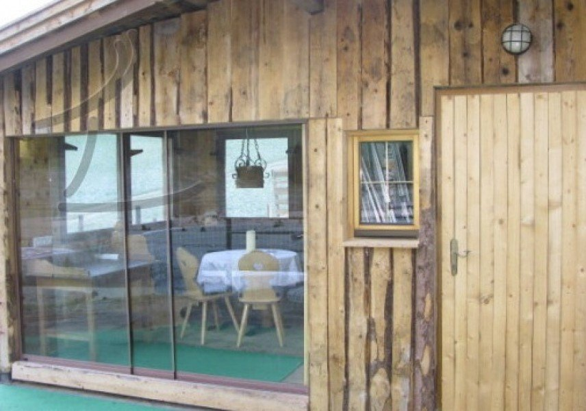 ferienhaus aue in tux angebote zimmer verf gbarkeit. Black Bedroom Furniture Sets. Home Design Ideas