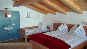 2-4 Bett Zimmer