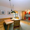Blick auf Essplatz + Küche