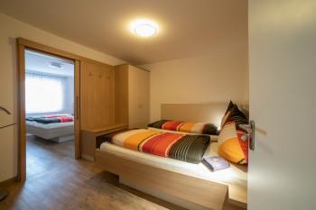 Wohnung Butzes Schlafraum 2 und 3 mit Verbindungstür