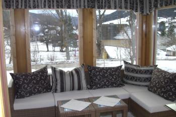 Wintergarten mit MiniHiFi & TV