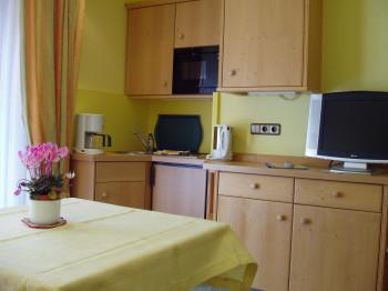 1-Raum Apartment mit Balkon 2 getrennte Betten