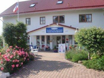 Eingang zu den Ferienwohnungen & Apartments