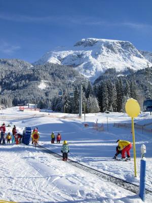 300 m zur Skischule