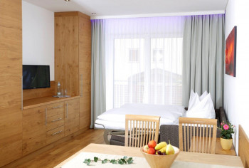 Wohn/Schlafraum im Appartement Rubin