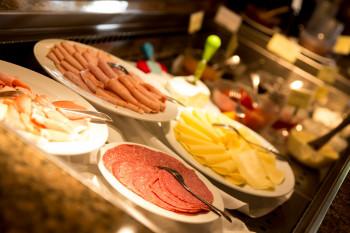 Frühstücksbuffet im Restaurant